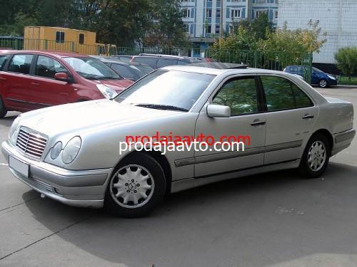 Mercedes-Benz E200 1996