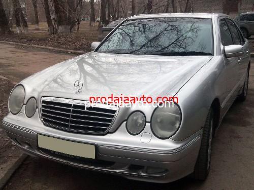 Mercedes-Benz E240 2001