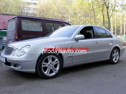 Mercedes-Benz E240 2005