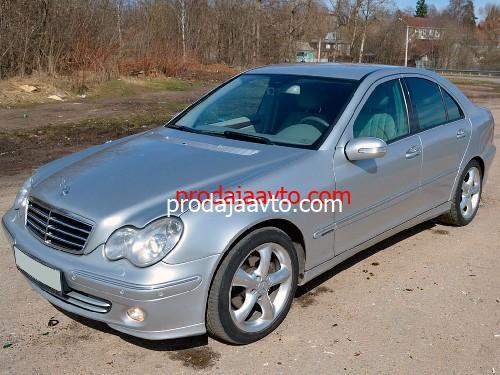 Mercedes-Benz C220 2004